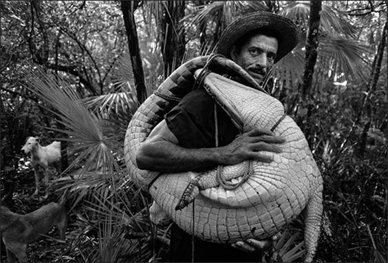 Man with crocodile, Ciénaga de Zapata, 2006